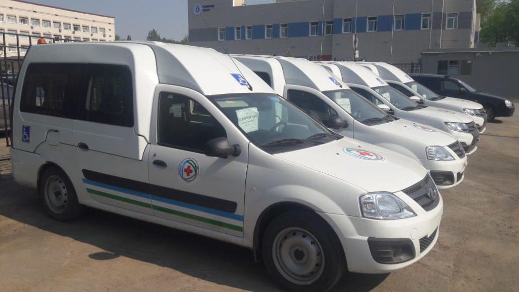 Исянгуловская центральная районная больница получила в Уфе новые автомобили «Лада Ларгус»